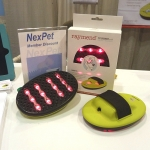 Raymend's LED Biolight™ pet groomer